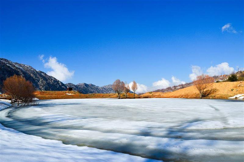 Frozen lake ❄❄..... frozen lake landscape nature hike hiking snow... (El Laqloûq, Mont-Liban, Lebanon)
