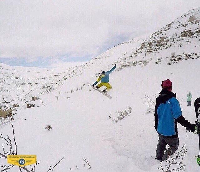 NoseGrab republicofsnowboarding rosthehouse snowboard wintersports ... (Ouyoun El Simen-Kfardebian)