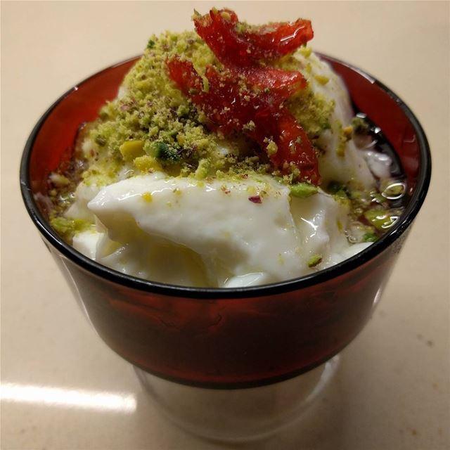 kashtaliyeh lebanesesweets sweetlovers❤❤❤ sweet fresh yummy ...