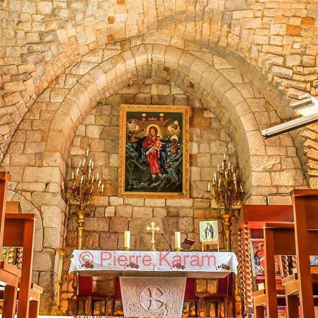 كنيسة السيدة قرطبا لبنان حجر قنطرة مريم virgin marry church ...