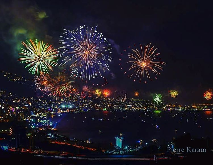 dancing  colors  colorful  fireworks  allinone  jouniehfestival2016 ... (Jounieh - Lebanon)