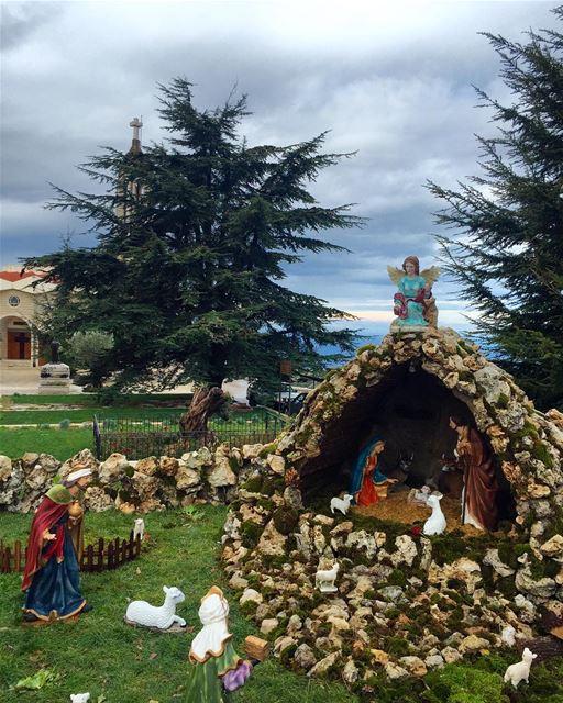 christmastime december2016 church babyborn jesus livelovebeirut ... (Anaya - Saint Charbel)