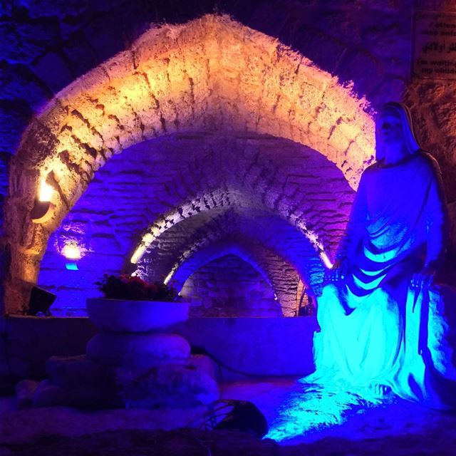oldcave mariam sayede waitting herson jesus livelovejnoub ... (Saydet L Mantara Maghdoushe)
