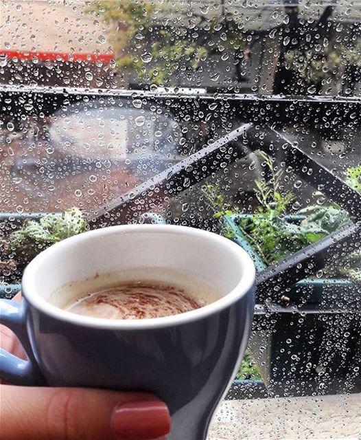 rainyday loverainyweather december raindrops hotchocolate ... (Saïda, Al Janub, Lebanon)