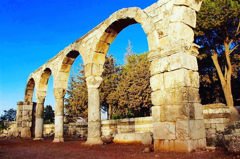 anjar castle bluesky browntown beatifulplace liveauthentic ... (Anjar_Anjar Castle)