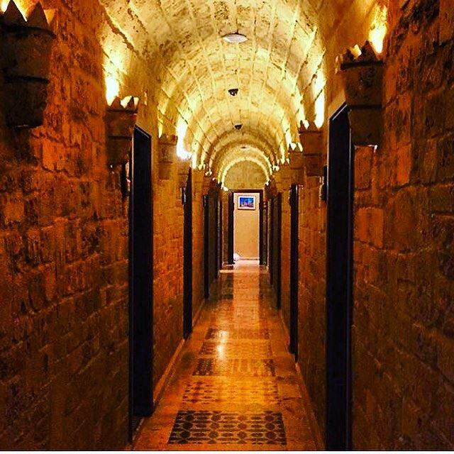 liveauthentic traditional lebaneseoldhouse mylebanon insta_lebanon ... (مطعم الساحة)